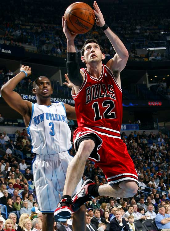The Celtics and Lakers have been linked to Hinrich, an expensive third guard who has struggled offensively but is capable of providing stout defense on the perimeter. Hinrich has two more years and $17 million left on his contract -- a big investment for a player who is shooting 38 percent from the field.