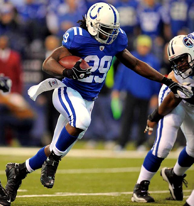 The Colts recorded their 21st consecutive regular-season win, tying the 2006-08 Patriots for the NFL record, in a 27-17 victory over the Titans. Joseph Addai carried the ball 21 times for 79 yards and scored twice.