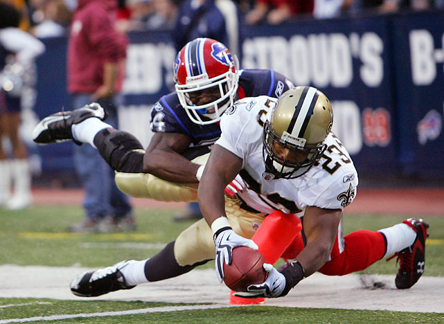 After missing the first two games with a knee injury, Saints RB Pierre Thomas burst loose with 126 rushing yards and two touchdowns as the Saints rolled through the Bills 27-7.