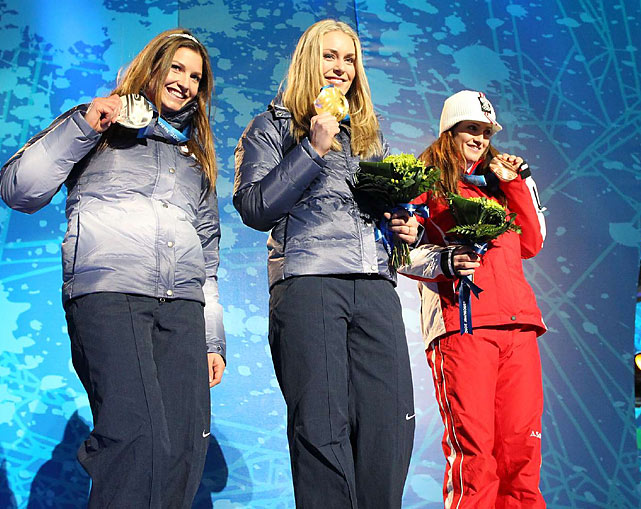 Lindsey Vonn (center) of the U.S. with her gold, along with Julia Mancuso (silver) and Austria's Elisabeth Goergl (bronze).