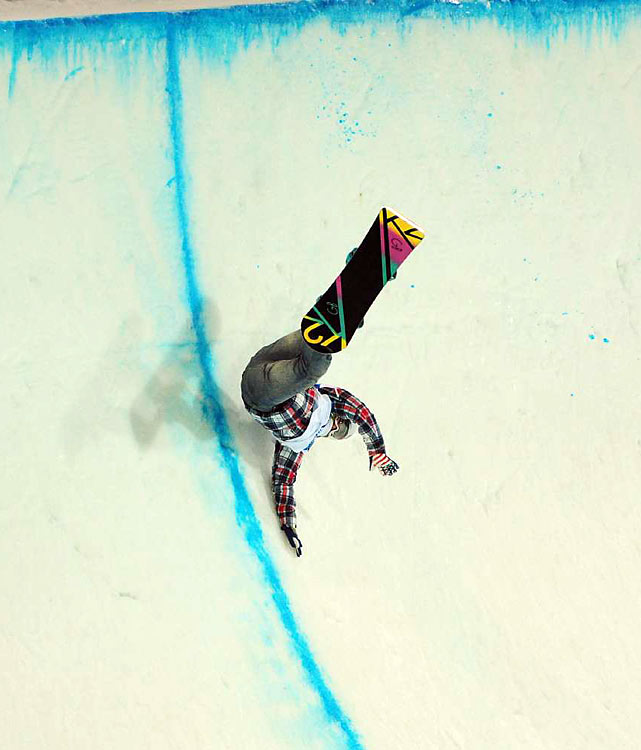 Gretchen Bleiler of the U.S. had a rough day in the half-pipe, finishing 11th.