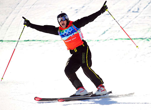 The event that pits four skiers against one another on a winding, often dangerous course was a real crowd pleaser. American skiers Daron Rahlves and Casey Puckett fell victim to the course's treacherous twists and turns, getting eliminated in the first round. Switzerland's Michael Schmid claimed the gold.