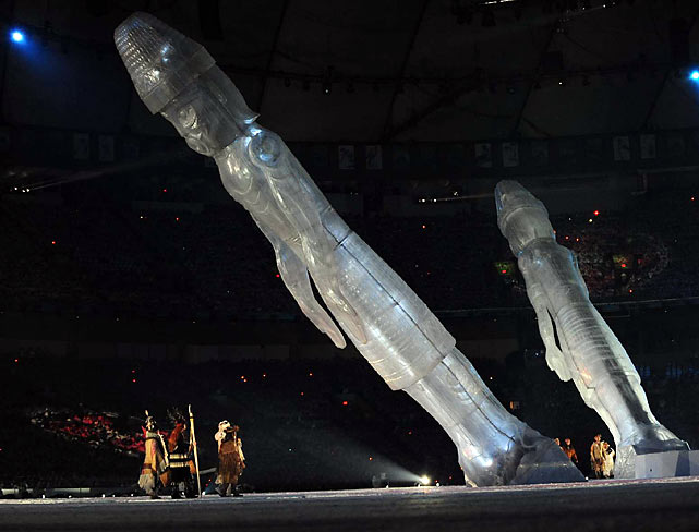 Special effects included tall ice statues.