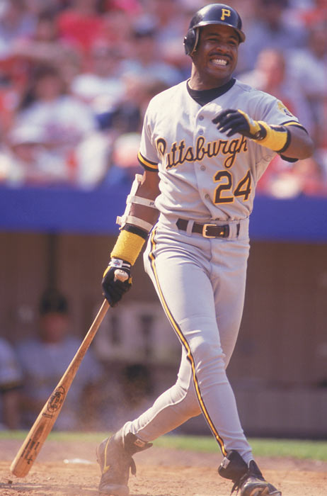 Barry Bonds signs the highest single-season contract. It was for $4.7 million.