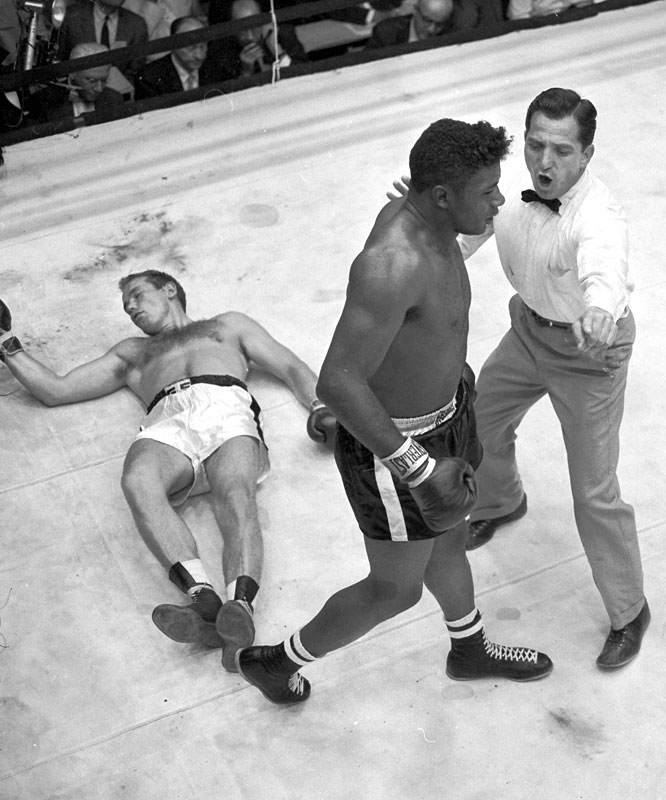 Mercante, who became a professional referee in 1954, earned his first high-profile assignment for the heavyweight title rematch between Patterson and Johansson at the Polo Grounds in New York. Patterson won by fifth-round knockout.
