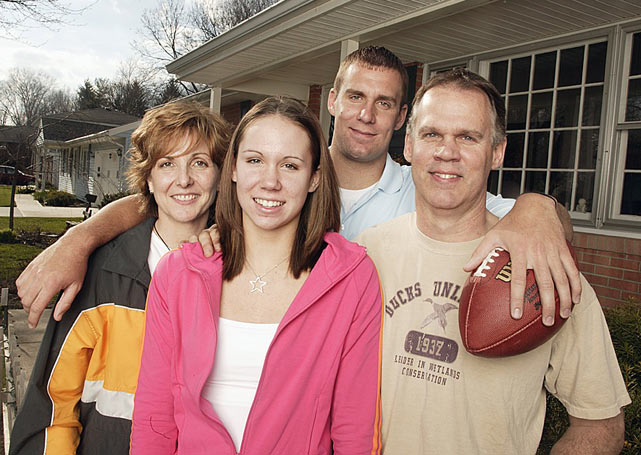 Roethlisberger poses with his mother Brenda, his sister Carlee and his father Ken outside their Findlay, Ohio home.