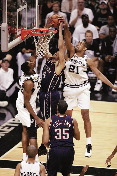 Coming off two straight playoff disappointments with the Spurs, Duncan averaged career-highs in scoring (25.5 points per game) and rebounds (12.7) to claim his first MVP award in 2002. He earned the honor the next season while also winning his second NBA championship with the Spurs.