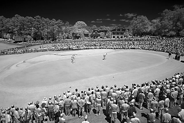 An Infrared image shows Steve Stricker putting on the ninth green during second-round play at the Masters on April 9.