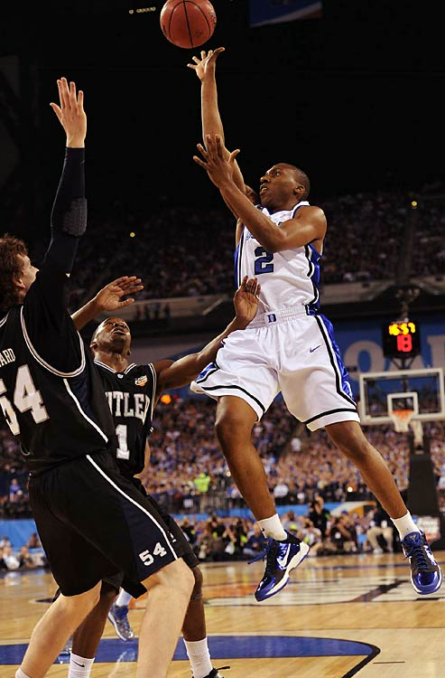 Point guard Nolan Smith scored nine first-half points to help stake the Blue Devils to a 33-32 lead after 20 minutes.