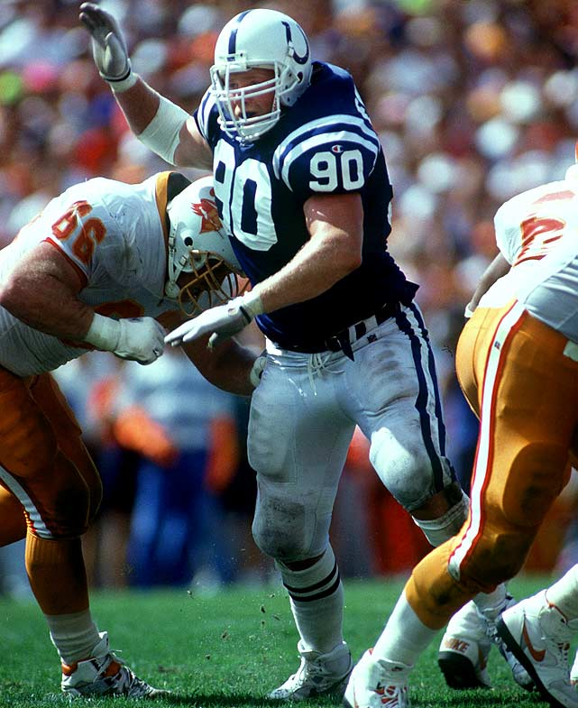 An outstanding D-lineman at University of Washington, Emtman blew out his knee nine games into his rookie season, beginning a cycle of injuries he never overcame. Emtman started just 10 games over six years for three different teams.