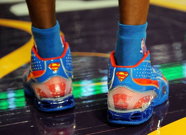 """In 2009, the reigning All-Star Slam Dunk champion hoped his Superman shoes would help him to a second straight title. But the 5-foot-9 """"Krypto-Nate"""" Robinson leapt over Howard to win in the final round."""