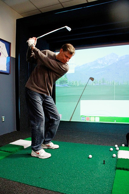 We also play a lot of virtual golf in the studio. As you can see, Dan has a nice swing.