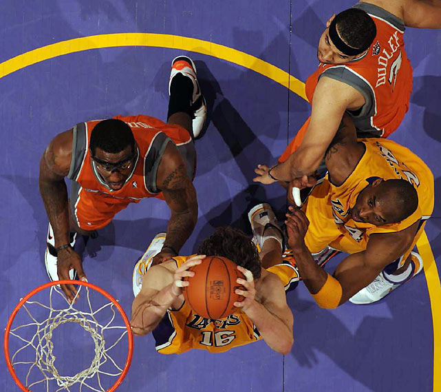 Gasol and the Lakers outrebounded the Suns 39-34.