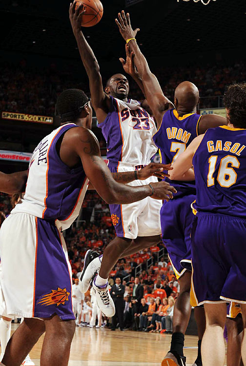 After a breakout performance in Game 2, Jason Richardson was again an integral part of the Suns' offense, scoring 19 points, including four threes.