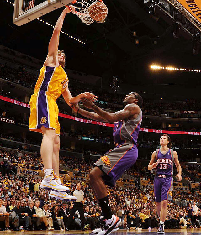 Pau Gasol added 21 points, four rebounds and two blocks in his 37 minutes on the court.