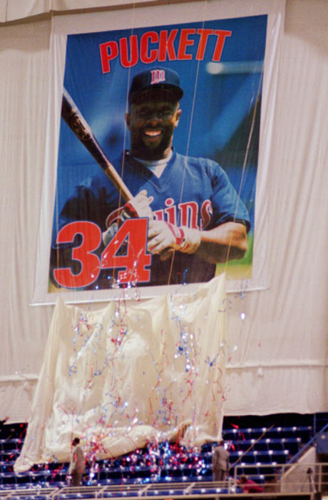 The Twins hold a ceremony to honor retired outfielder Kirby Puckett