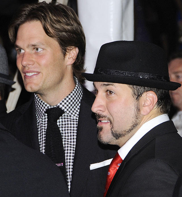 On April 30, Tom Brady attended the Barnstable Brown party the night before the 136th running of the Kentucky Derby at Churchill Downs in Louisville. Brady was spotted mingling with, among others, former 'N Sync member and current The Singing Bee host Joey Fatone.