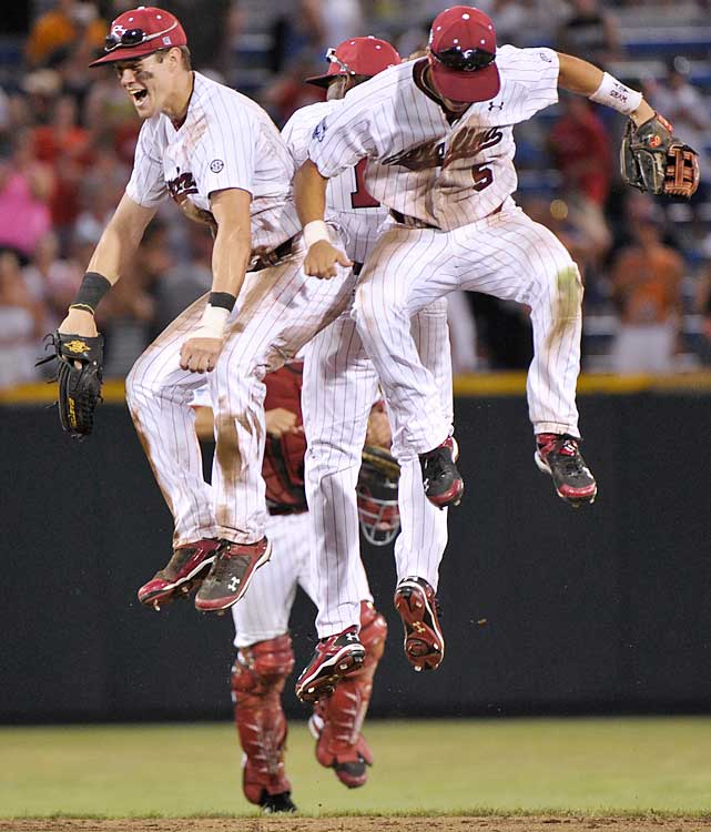 The Gamecocks staved off elimination for the fourth straight game, breaking a 2-2 tie in the seventh and holding on to advance to their first College World Series finals since 2002.