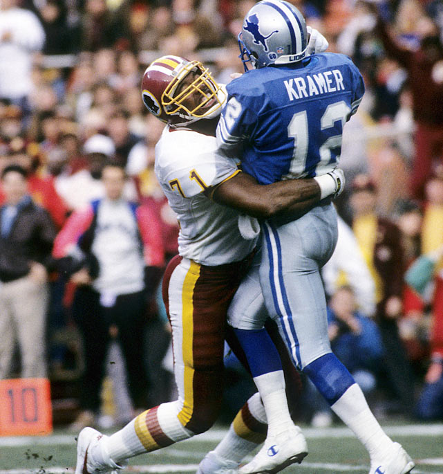 Barry Sanders who? The Redskins absolutely crushed the Lions in January 1992, holding Detroit's Hall of Fame running back to just 44 yards rushing and Washington forced turnovers on the first two Lions' possessions. From there, the rout was on, as the Skins scored 24 unanswered points in the second half -- including a 32-yard interception return for a TD by Darrell Green -- for a 41-10 final.