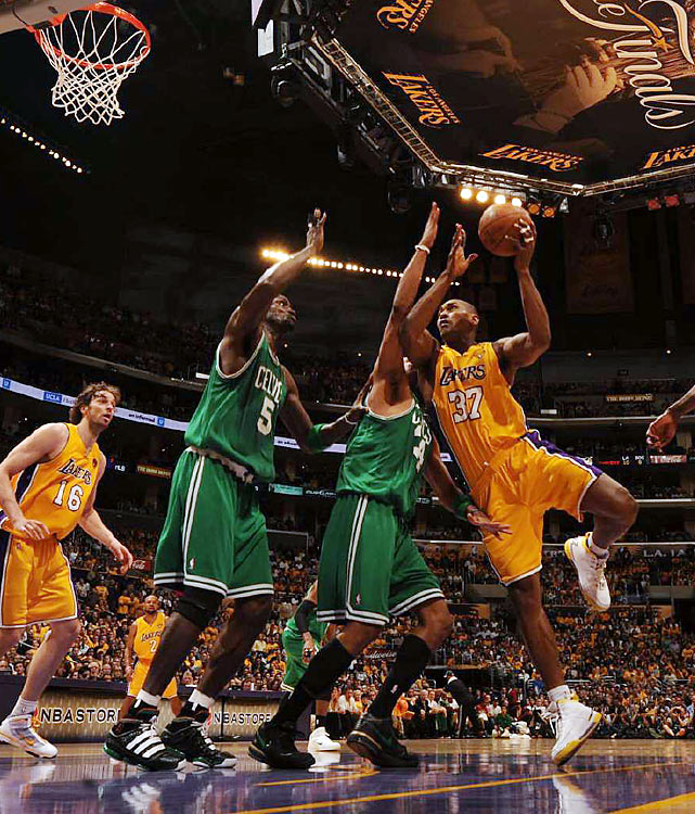 Ron Artest scored 15 points in the physical battle with the Celtics' Big Three.