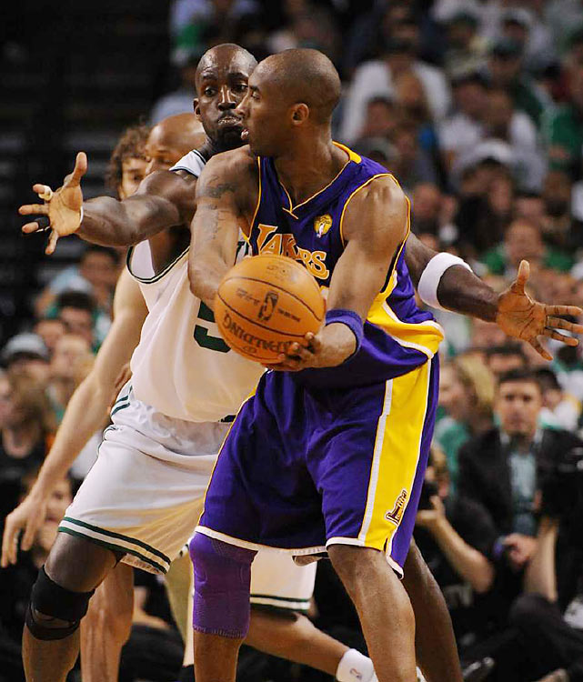 Boston's Kevin Garnett upped the intensity on the defensive end, but the Celtics couldn't prevent Kobe Bryant and the Lakers from a 15-1 run in the first quarter for an early lead.