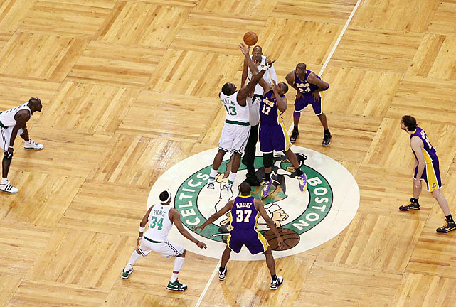 For the second straight game in these Finals, the road team won. The Lakers took Game 3, 91-84, Tuesday in Boston to regain home-court advantage in the series. Here are some of SI's best shots from the L.A. win.