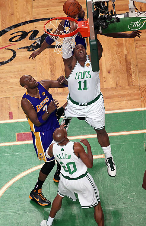 Glen Davis provided the fourth-quarter spark that anchored Boston's win, scoring half of his 18 points in the final period. Big Baby added five rebounds -- four offensive boards -- and two steals in 22 total minutes.