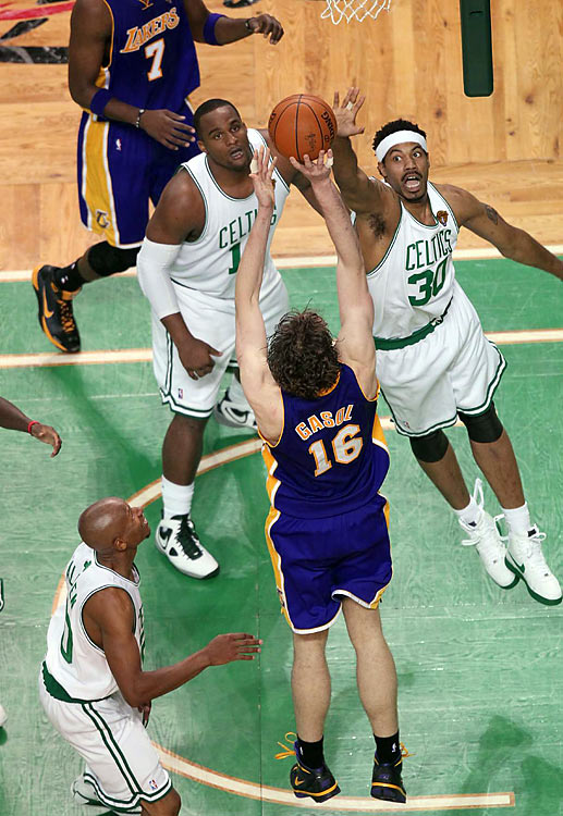 The Celtics bigs finally showed up in Game 4, outrebounding the Lakers 41-34 and pestering Pau Gasol. Boston's Rasheed Wallace played 22 productive minutes, including much of the fourth quarter.