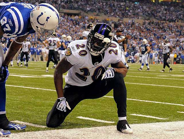 He is a certain Hall of Famer who consistently shows up for the opening whistle. That does not mean, however, that Reed is not riddled with injuries. He is. And in the latter stages of his career, problems with his hip, neck and groin don't bode well for a full 16-game ride in 2010.