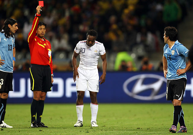 Lodeiro's two bookings that led to his red card were part of a recurring theme throughout the match. In all, referee Yuichi Nishimura dished out five yellow cards and one red card.
