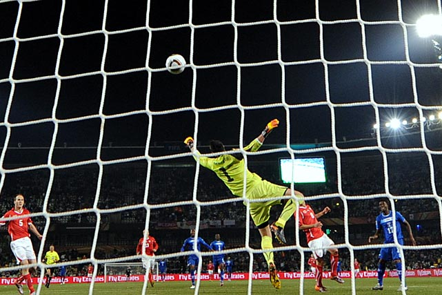 In a punchless offensive match, Honduras got its best chance in the 71st minute, when Switzerland goalkeeper Diego Benaglio made a magnificent one-handed save on an open Honduras midfielder Edgar Alvarez. Alvarez's shot was the only shot on goal all match for Honduras.