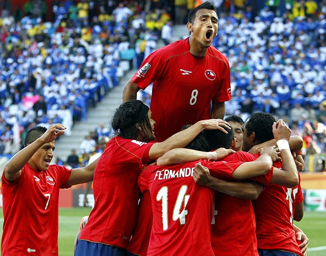 Arturo Vidal (top) and Chile picked up three points, but coach Marcelo Bielsa felt his side squandered several scoring opportunities. ''You can't foresee what will happen, but if the group is decided in that way [on goal difference], then we will rue the chances we missed,'' Bielsa told reporters afterward.
