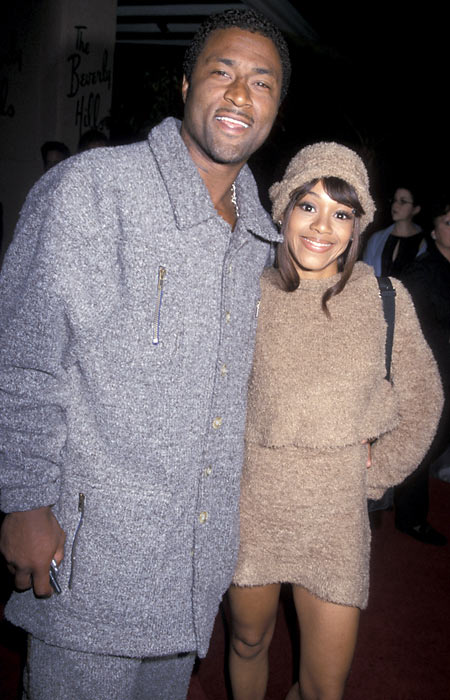 "Lisa ""Left-Eye"" Lopes of the pop group TLC sets fire to her boyfriend's house. Her boyfriend was Andre Rison of the Atlanta Falcons."