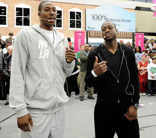 Dwight Howard and Wade speak with guests during the NBA All Star Jam Session in Dallas.