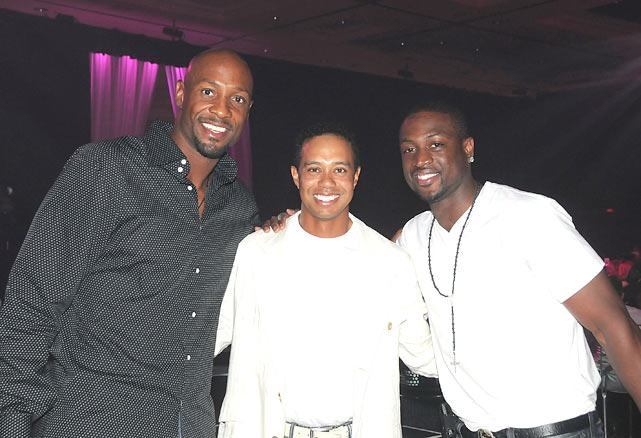 Alonzo Mourning, Tiger Woods and Wade stop for a photo during Tiger Jam 2009 in Las Vegas.