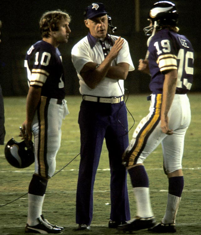"For the Minnesota Vikings, this huddle included one Hall of Fame head coach (Bud Grant), one Hall of Fame quarterback (Fran Tarkenton, left) and one ""General,"" backup quarterback Bob Lee."
