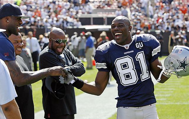 One egomanic shaking hands with a future egomaniac; Owens and LeBron James exchanged pleasantries when the Cowboys defeated the Browns in Cleveland in September 2008.