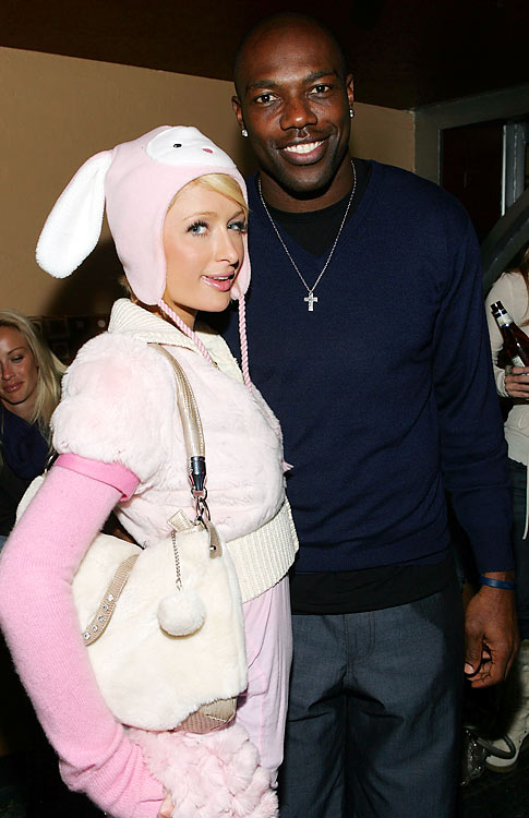Owens and the Cowboys weren't lucky enough to make the playoffs in 2009, so Owens took them in with Paris Hilton.