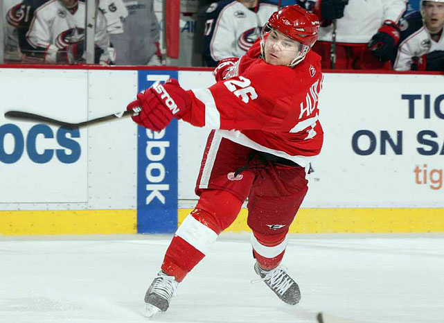 The Czech pivot was a solid contributor (23 goals, 57 points) to Detroit's 2007-08 Stanley Cup championship team, but caused the Red Wings to file a complaint with the IIHF when he used a two-year, $10 million offer from Dynamo Moscow as a bargaining chip. (He had filed for arbitration, which prevents him from receiving an offer sheet.) The Red Wings let Hudler go, and he scored 19 goals and 54 points in 54 games in the KHL last season.