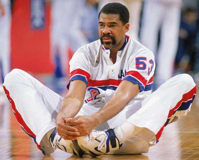 """Edwards, nicknamed """"Buddha"""" for his appearance, was a key member of the Pistons' second unit."""