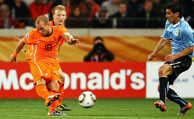 The Netherlands took the lead in the 70th minute, as Wesley Sneijder's shot from inside the penalty box was partially deflected off the leg of defender Maximiliano Pereira and into the net. It was Sneijder's fifth goal of the tournament.