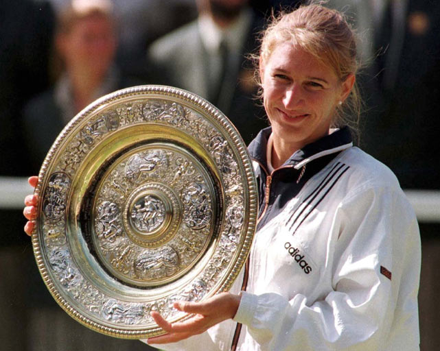 Steffi Graf wins Wimbledon by beating  Arantxa Sanchez-Vicario in straight sets (6-3, 7-5).