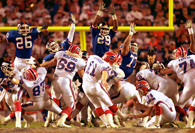 Few remember the crucial field goal Scott Norwood kicked through the uprights to seal a 10-7 victory over the Denver Broncos in the AFC title game in 1992.   Even fewer remember that Norwood surpassed the great O.J. Simpson as the team's all-time leading scorer in 1989.  What fans do remember him for are two words: wide right in the Bills 20-19 loss to the Giants in Super Bowl XXV.