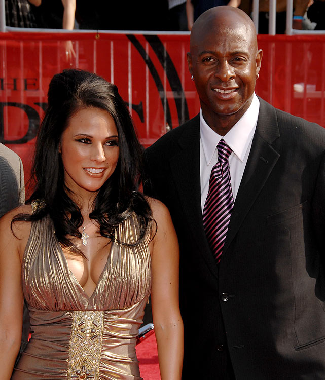 Rice has three championship rings with the 49ers. His guest at the 2008 ESPYs, Bonnie Jill Laflin, has one with the 49ers -- as a cheerleader -- and four more with the Lakers.
