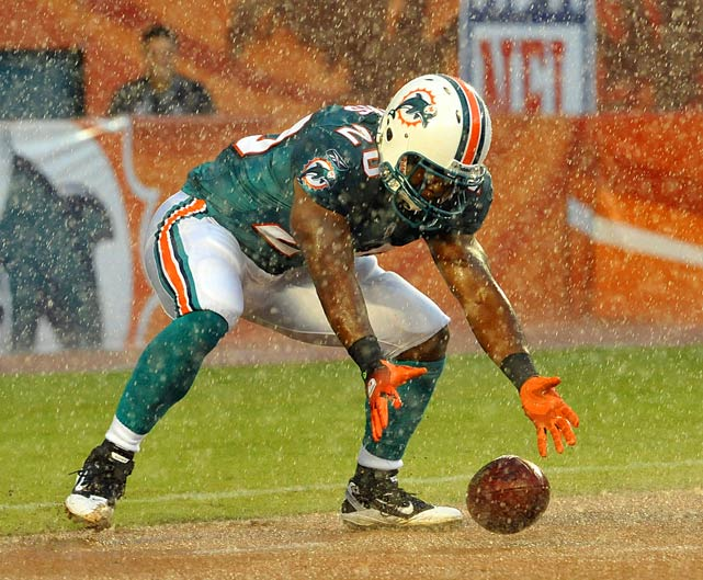 With the showers coming down, first-year running back Tristan Davis bobbled the opening kickoff in last Saturday's game between Miami and Tampa Bay, the preseason opener for both teams. Backup quarterback Tyler Thigpen (10-of-19 passing, 145 yards) led the Dolphins on both of their scoring drives in the 10-7 victory.