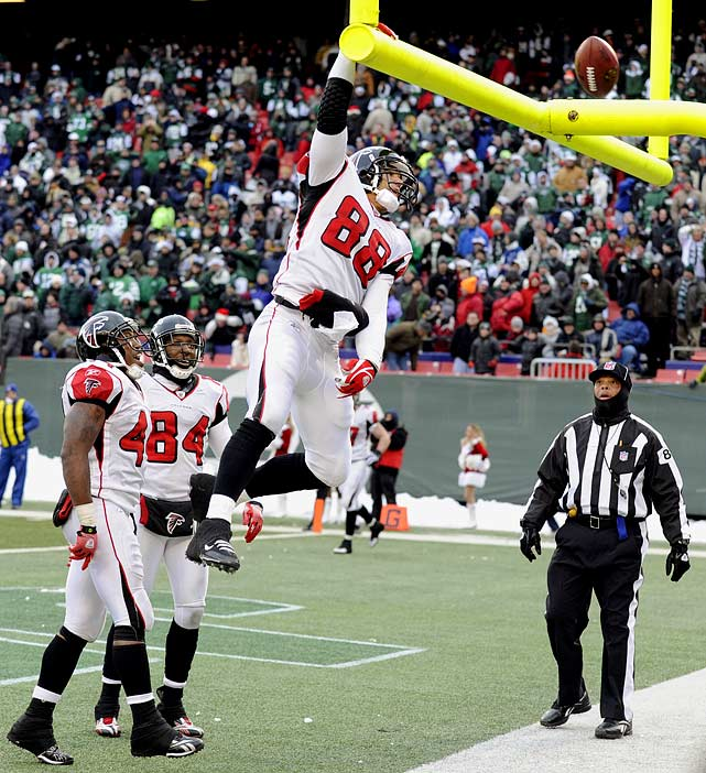Many have followed, with mixed results. But the Michael Jordan of goalpost dunkers is Tony Gonzalez. Many NFL players have highlight videos on YouTube. Few have highlight videos of their celebratory dunks.