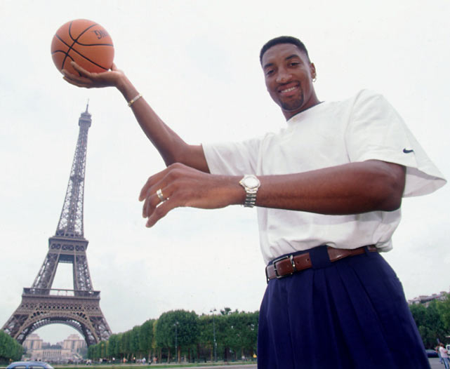 Pippen poses with the Eiffel Tower in the background.