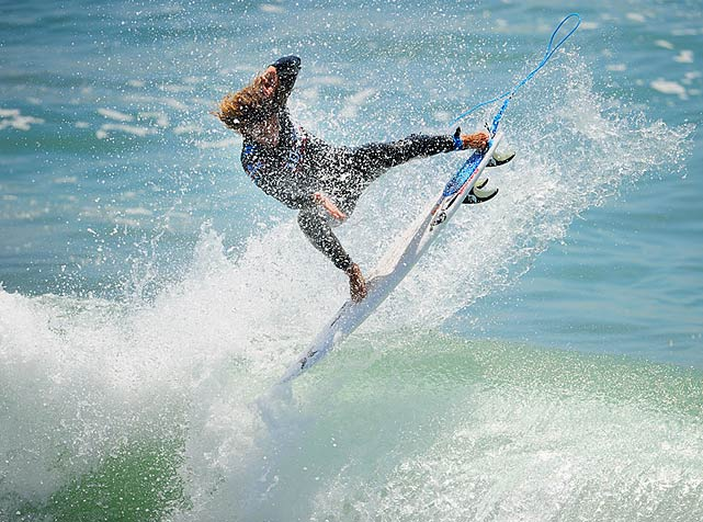 Rob Machado cracks the lip on his Merrick.