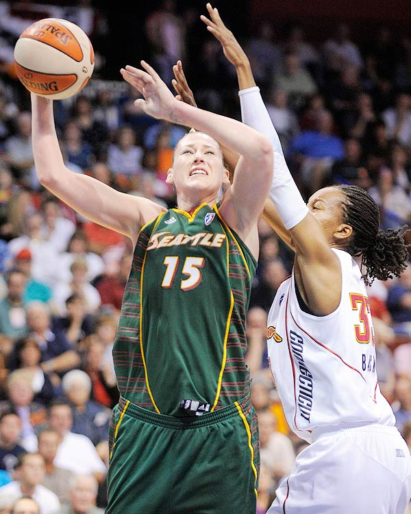 On the All-WNBA first team for the seventh time in her career, Jackson averaged a robust 20.5 ppg, 8.3 rpg and 1.2 bpg to lead her Seattle Storm to the top seed in the Western Conference.