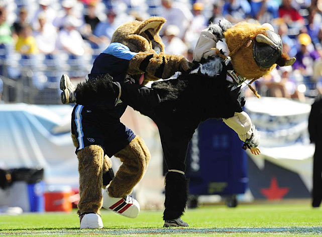 Traditionally, mascots do everything they can to avoid removing their costumed noggins while in character.  Thus, the severity of this affray is evident as the Minnesota Vikings mascot, Viktor, loses his head after a push from Tennessee Titans mascot T-Rac.